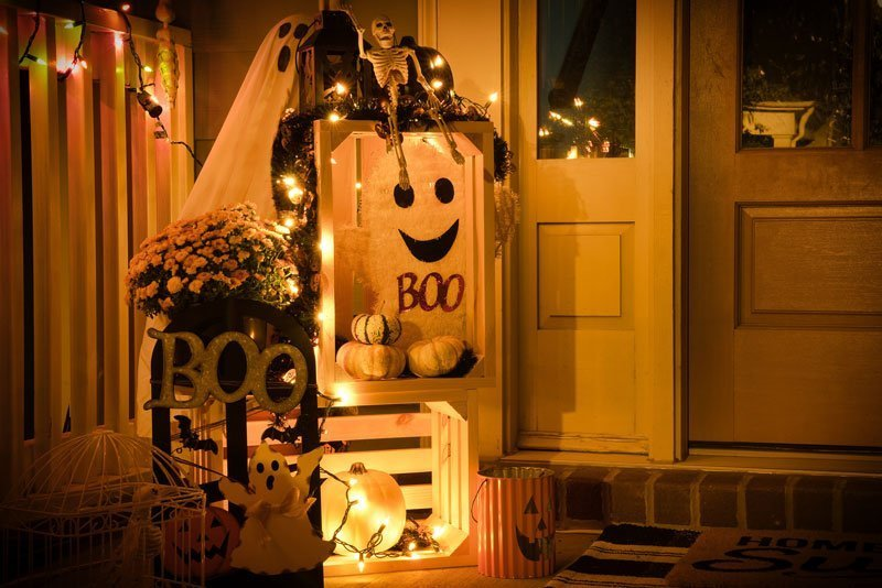 Haunting Hazards! The Do's and Don'ts of Decorating for Halloween